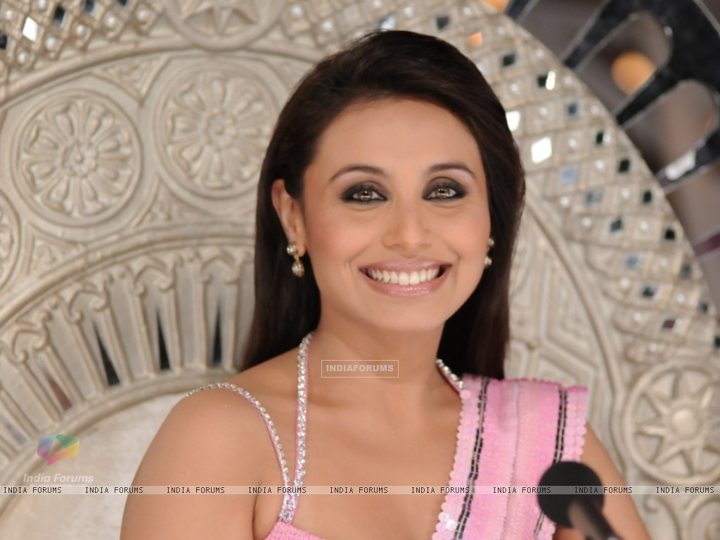 Rani Mukherjee in the show Dance Premier League (41080) size:1024x768