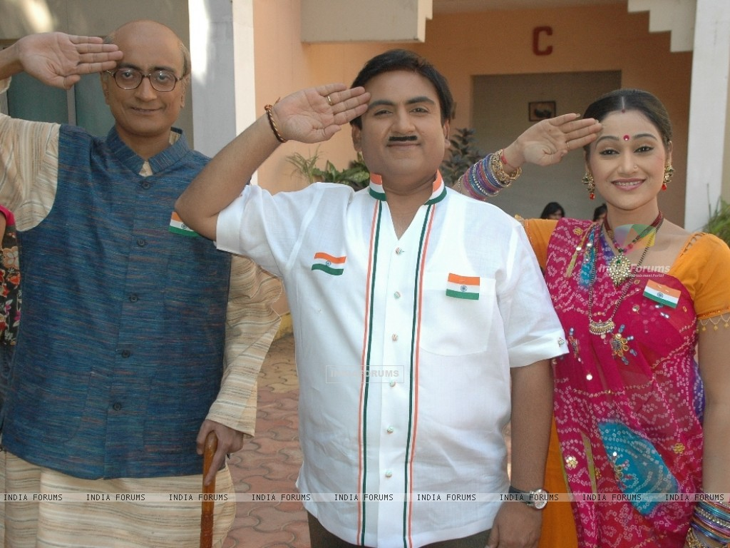 Amit Bhatt, Dilip Joshi and Disha Vakani celebrate Republic day (41952) size:1024x768