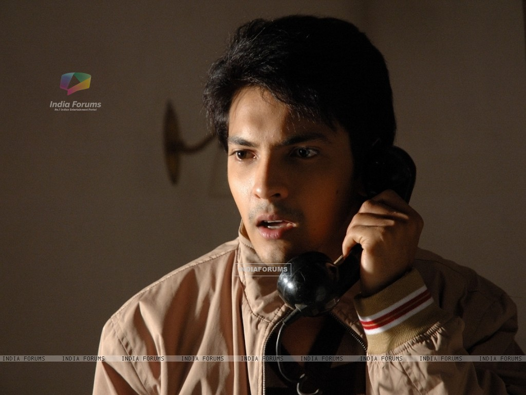 Aditya Narayan looking shocked (56547) size:1024x768