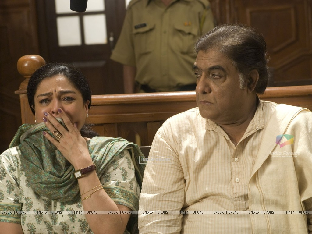 Still image of Reema Lagoo and Anjan Srivastava (56588) size:1024x768