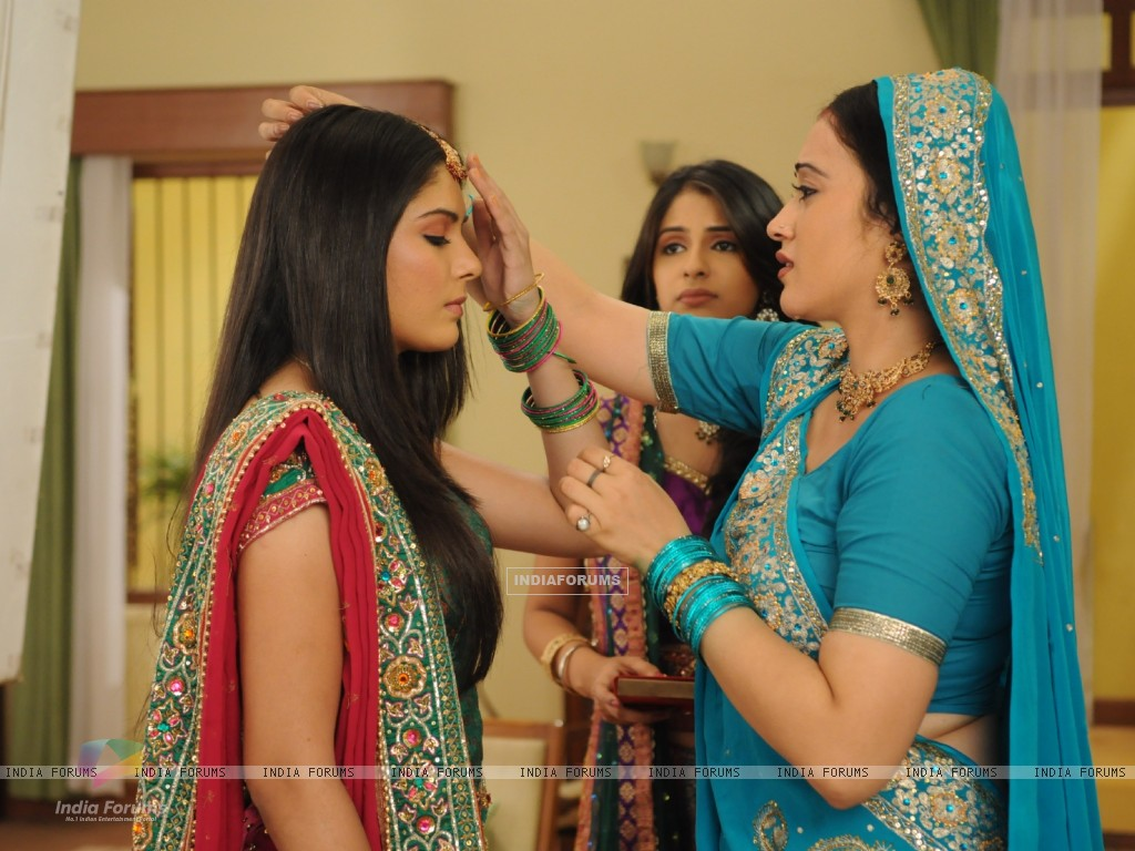 Still from the tv show Pratigya (57961) size:1024x768