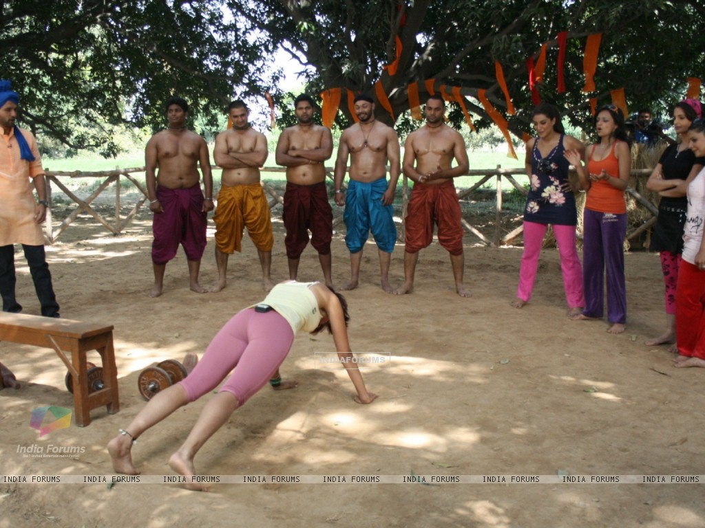 Wallpaper - Still From Tv Show Desi Girl (65870) Size:1024x768