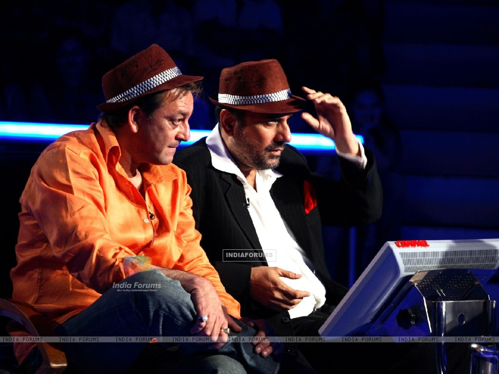 Sanjay Dutt and Boman Irani on KAUN BANEGA CROREPATI (78075) size:1024x768