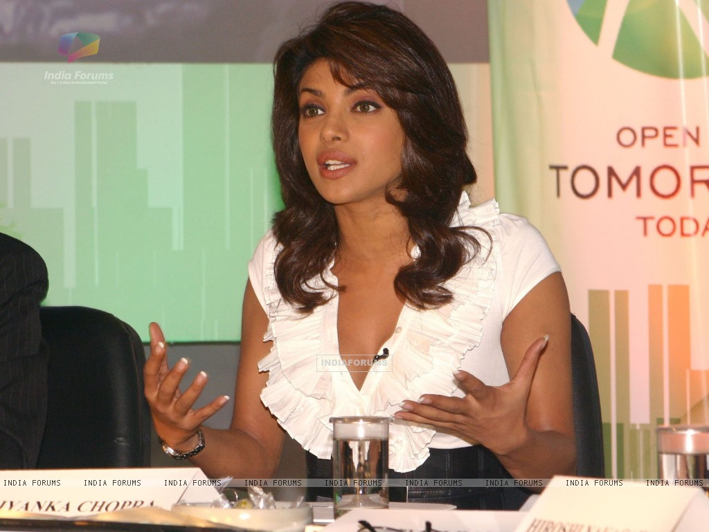 Union Minister for environment and forests bollywood actor Priyanka Chopra at a press-meet for the NDTV second wave of '''' Green Campaign'''' which includes the programme '''' Greenathon'''', in New Delhi on Tuesday (78778) size:1024x768