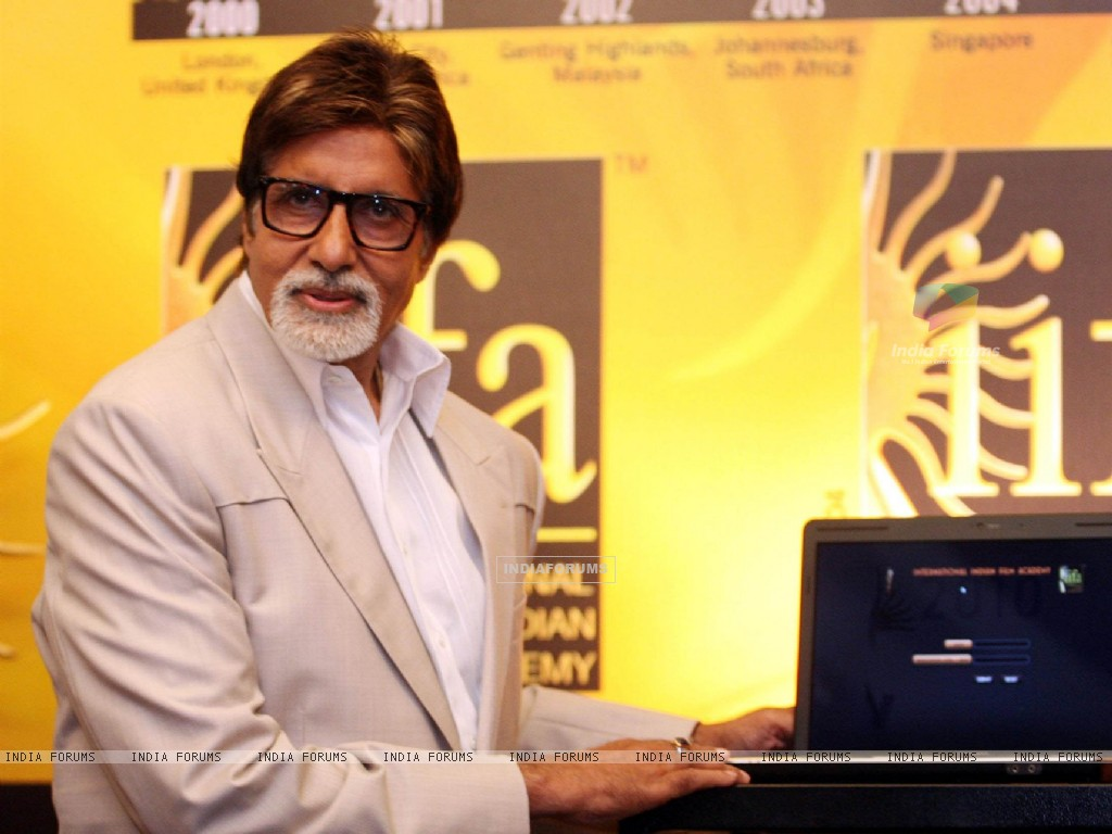 Bollywood actor Amitabh Bachchan inaugurates the IIFA Voting Weekend