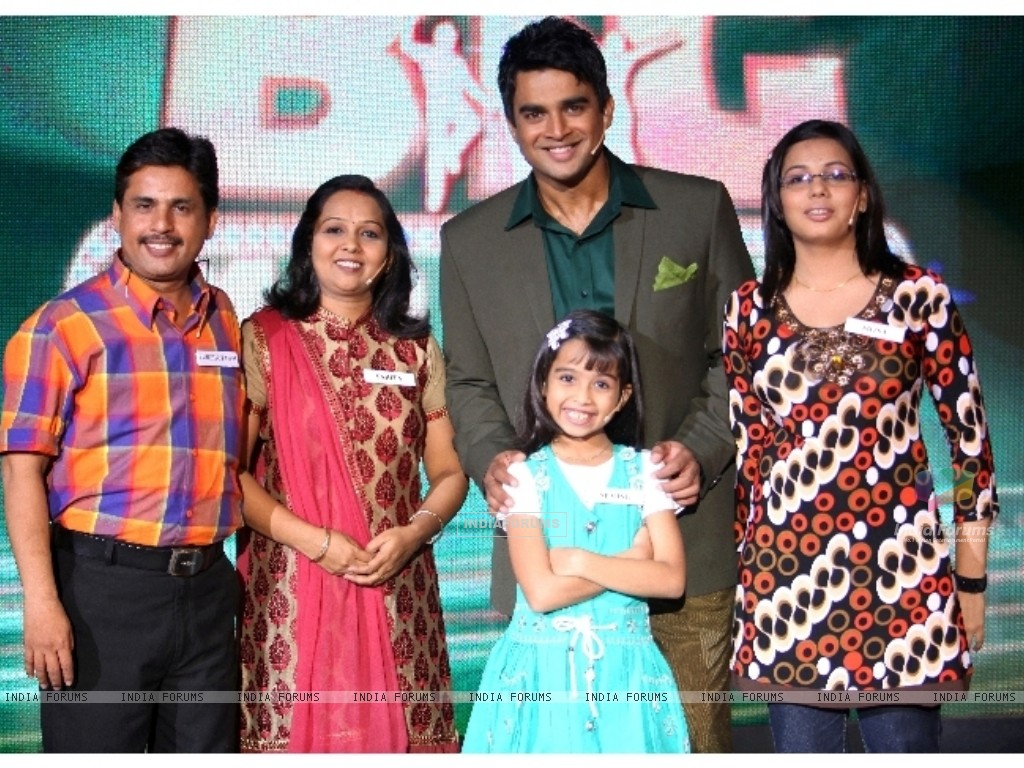 Sparsh family with Madhavan in tv show Big Money (90979) size:1024x768