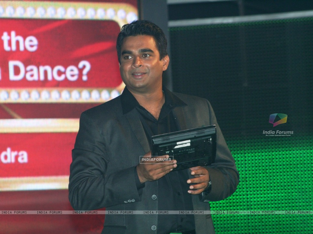 R. Madhavan as a host (90982) size:1024x768