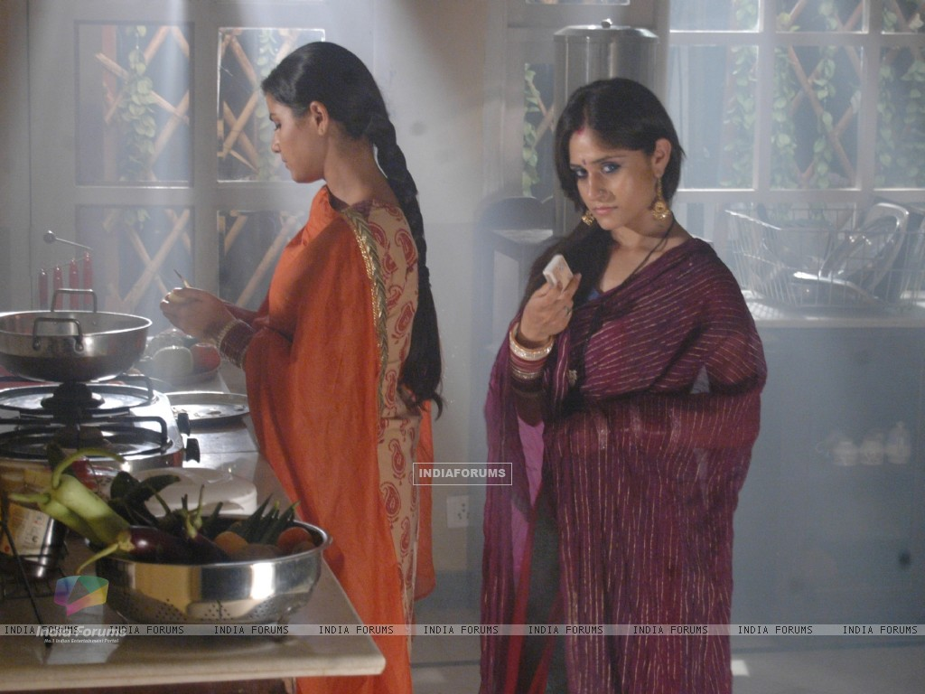 Scene from tv show 12/24 Karol Bagh (95124) size:1024x768