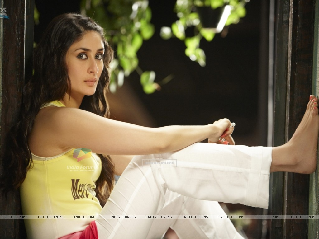 Kareena Kapoor in the movie Golmaal 3 (97379) size:1024x768