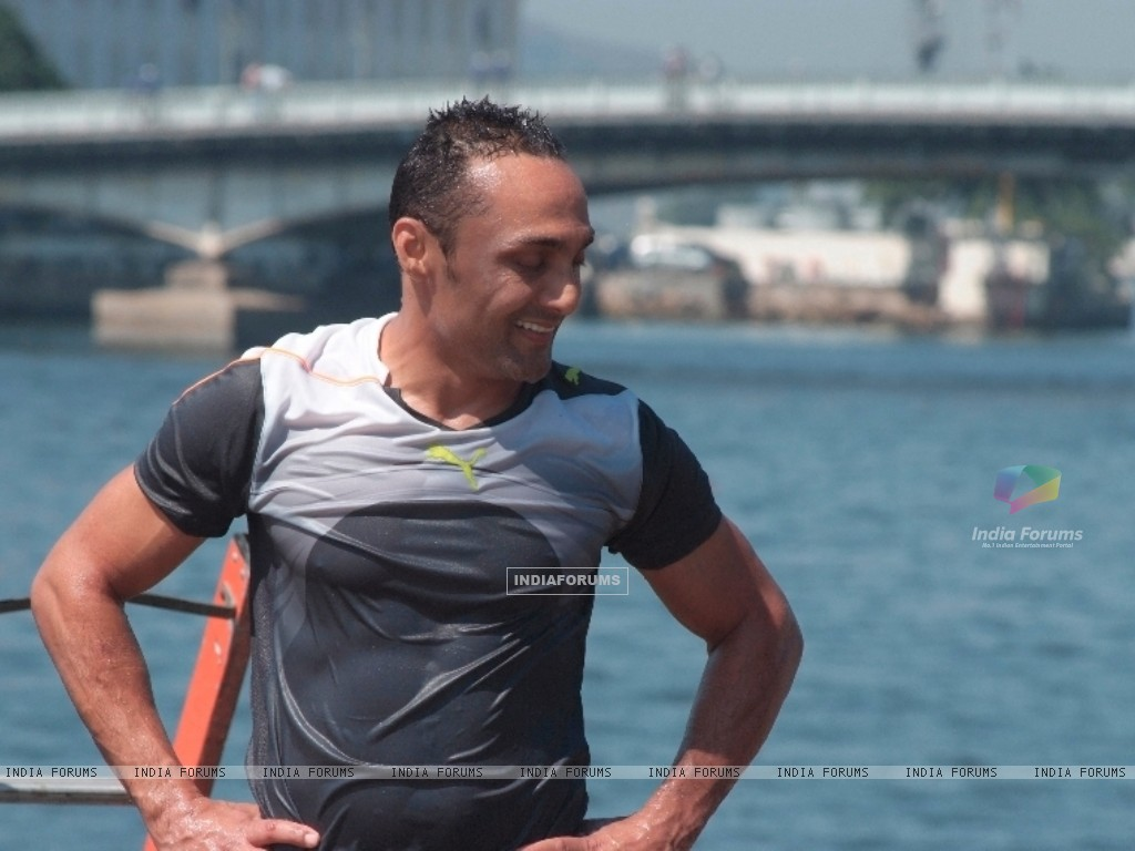 Rahul bose after his stunts (97958) size:1024x768