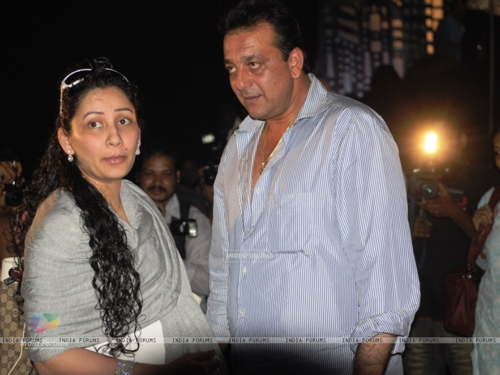 Manyata and Sanjay Dutt on Chotte Ustaad set (99645) size:1024x768