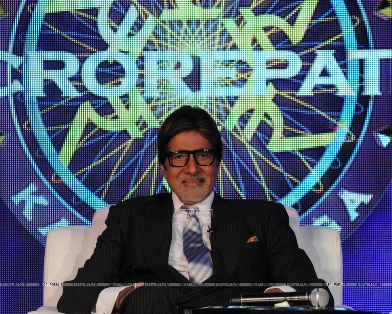 Amitabh Bachchan as a host in Kaun Banega Crorepati 4 (103519) size:1280x1024