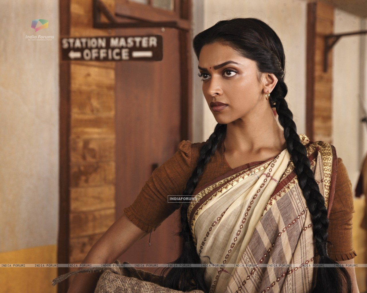 Deepika Padukone in the movie Khelein Hum Jee Jaan Sey (105910) size:1280x1024