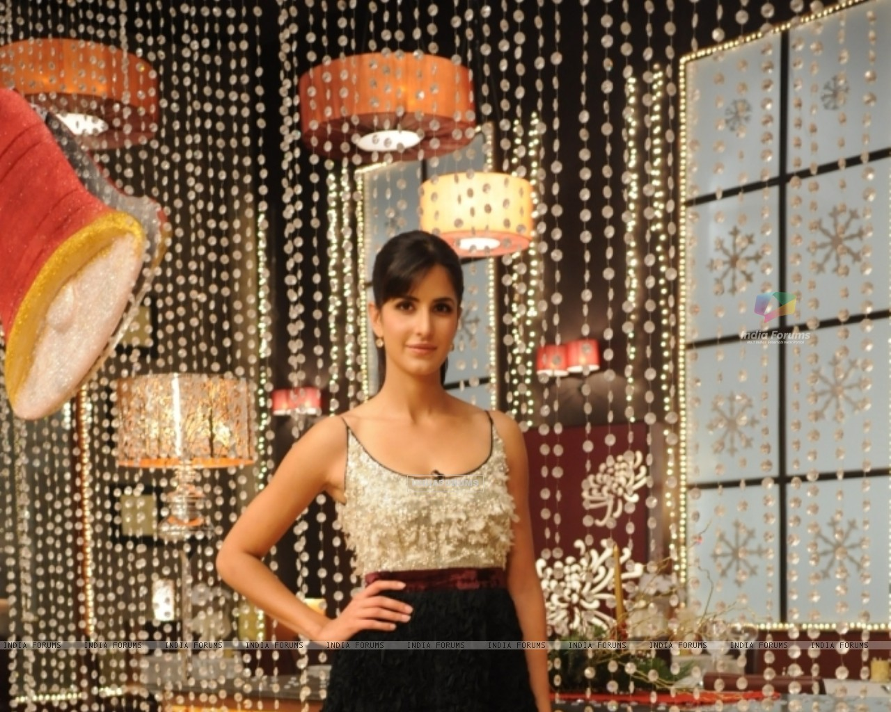 Katrina Kaif at Master Chef India set on Grand Finale (113293) size:1280x1024