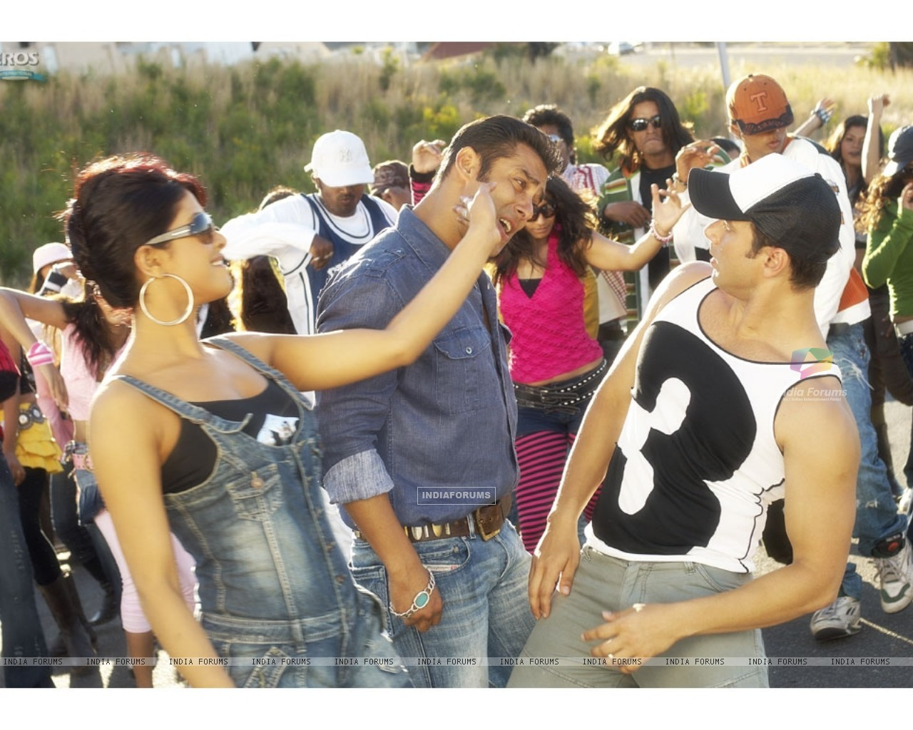 Salman,Priyanka and Sohail in God Tussi Great Ho (11873) size:1280x1024