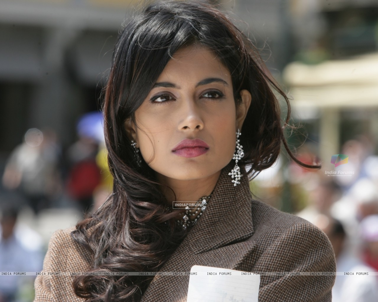 Sarah Jane Dias as Maya in the movie Game(2011) (122526) size:1280x1024