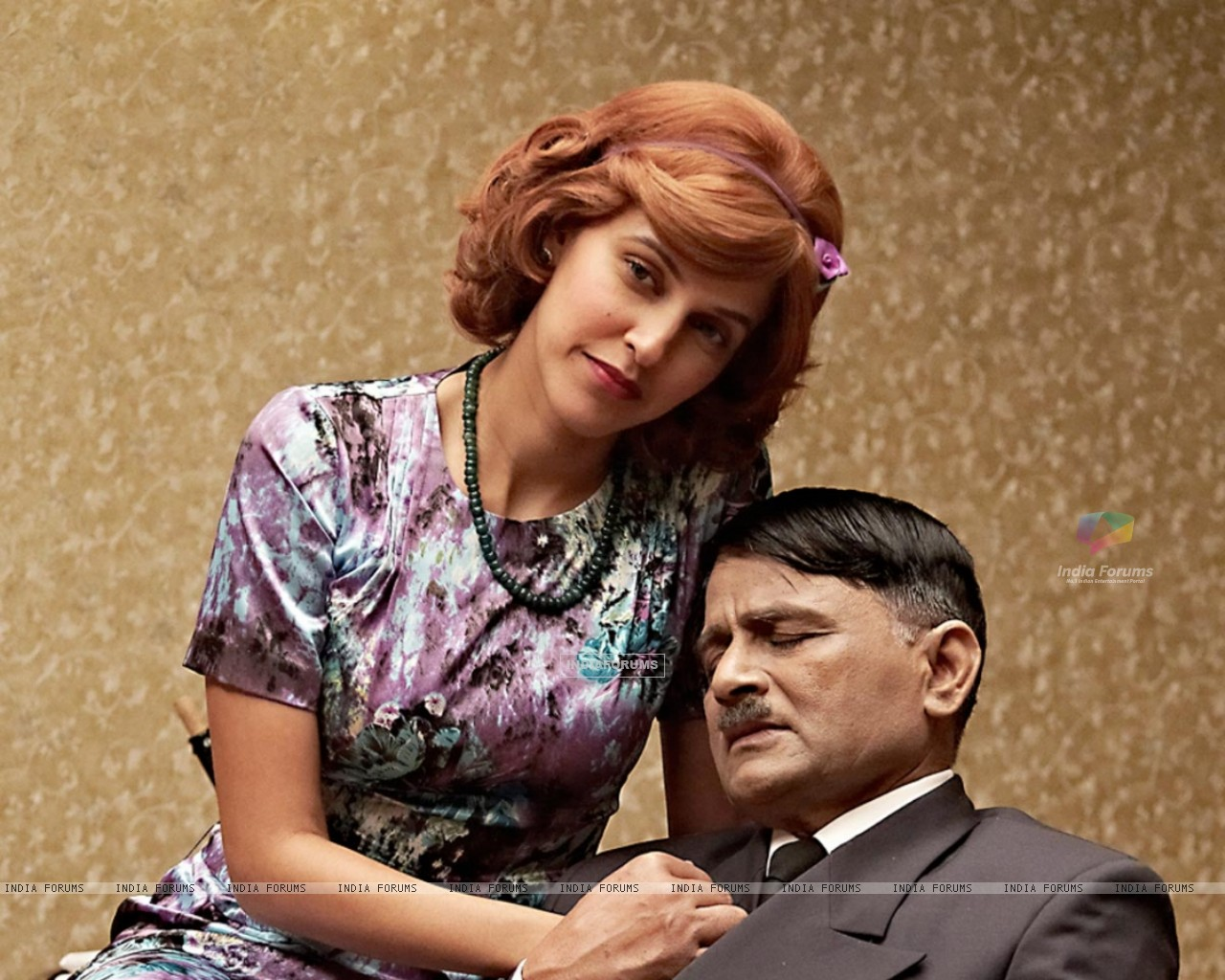 Raghuvir Yadav and Neha Dhupia in the movie Dear Friend Hitler (124273) size:1280x1024