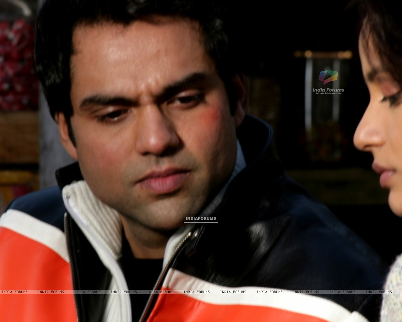 Abhay Deol talking to Neetu (12647) size:1280x1024