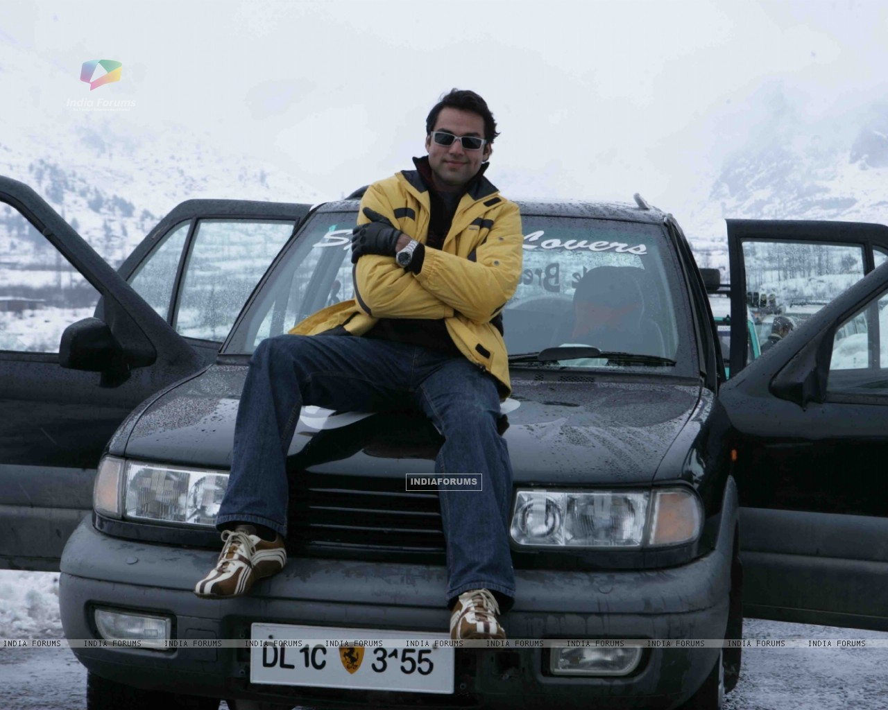 Abhay Deol looking hot and handsome (12650) size:1280x1024