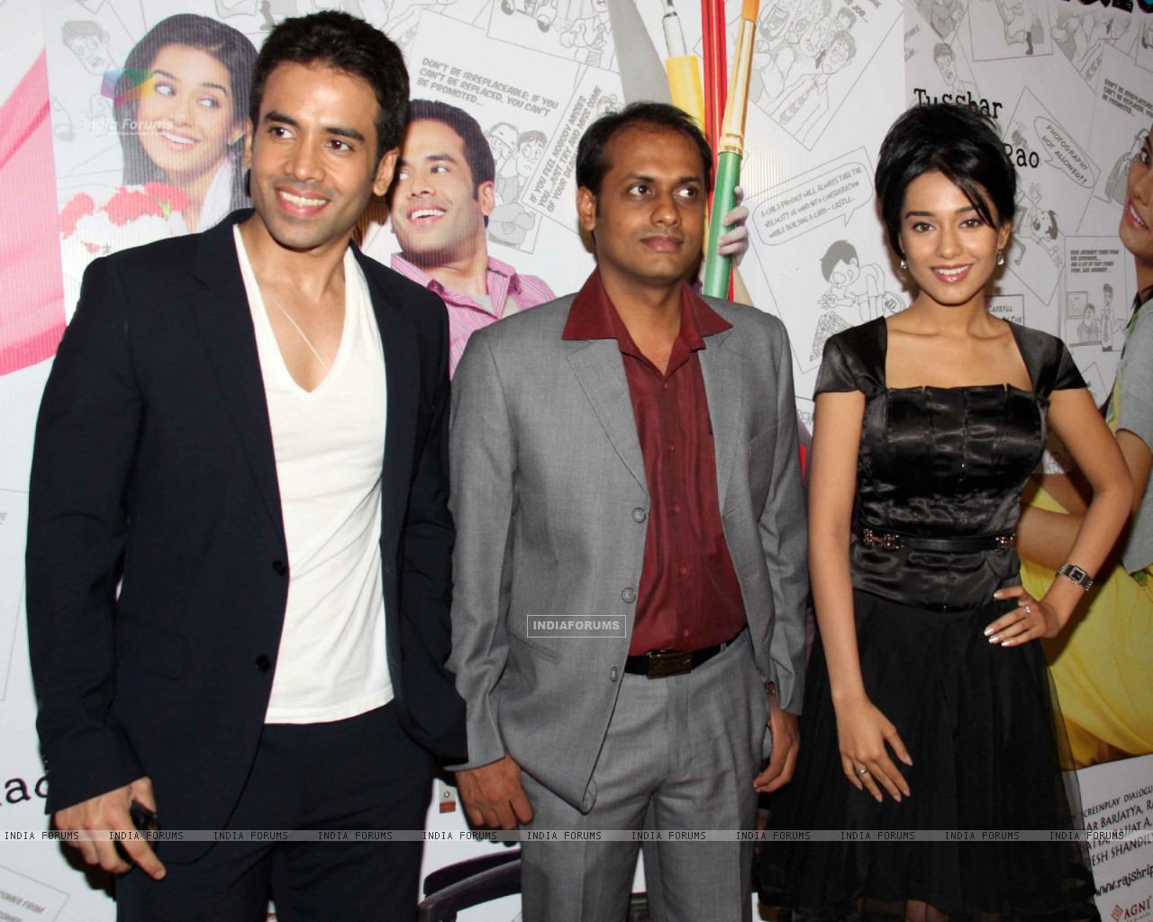 Tusshar Kapoor and Amrita Rao at 'Love U... Mr. Kalakaar!' movie screening (134375) size:1280x1024