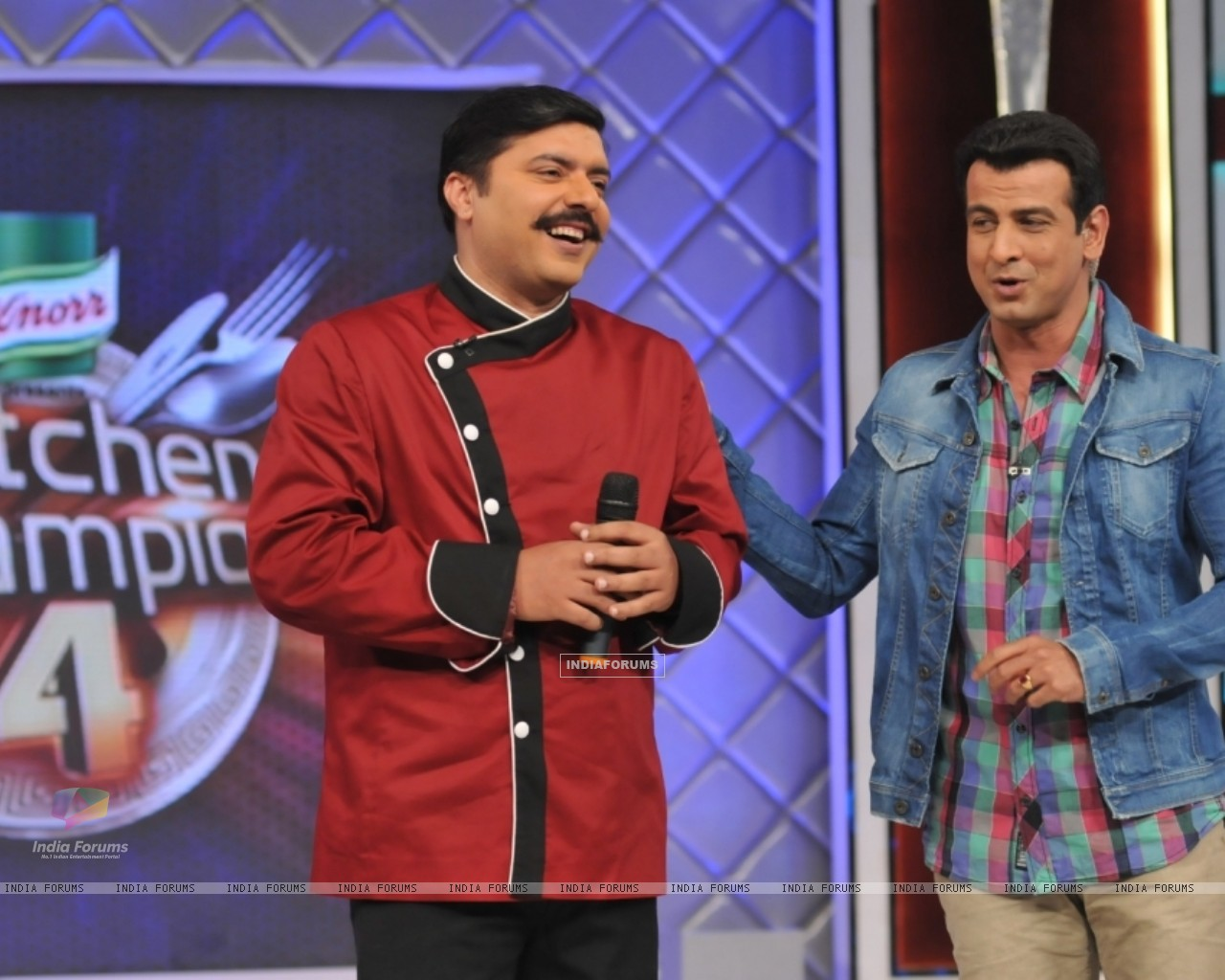Chef Gauti with Ronit Roy in Kitchen Champion 4 (135165) size:1280x1024