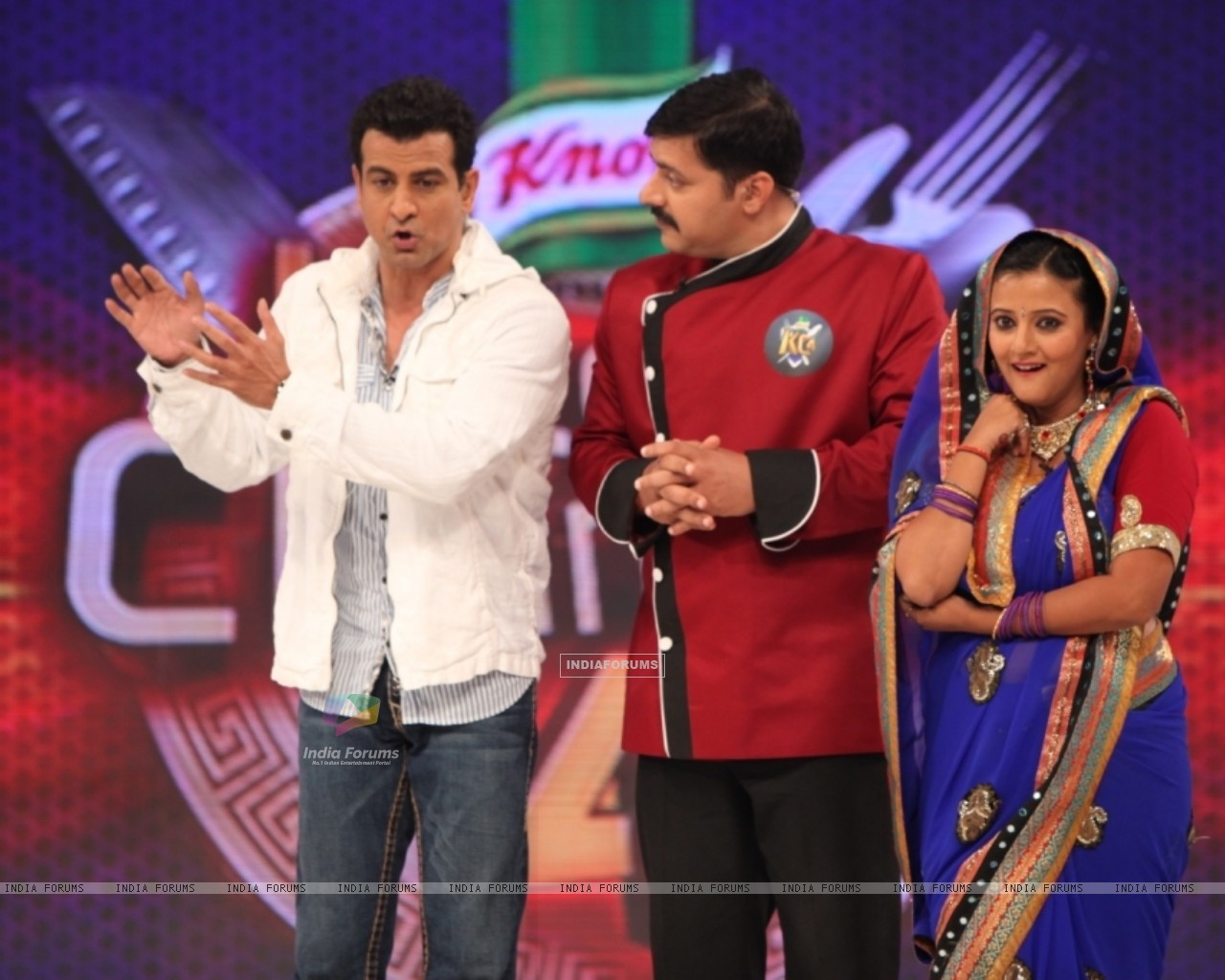 Host Ronit Roy, Chef Gauti and Smita Singh at Kitchen Champion 4 (135171) size:1280x1024
