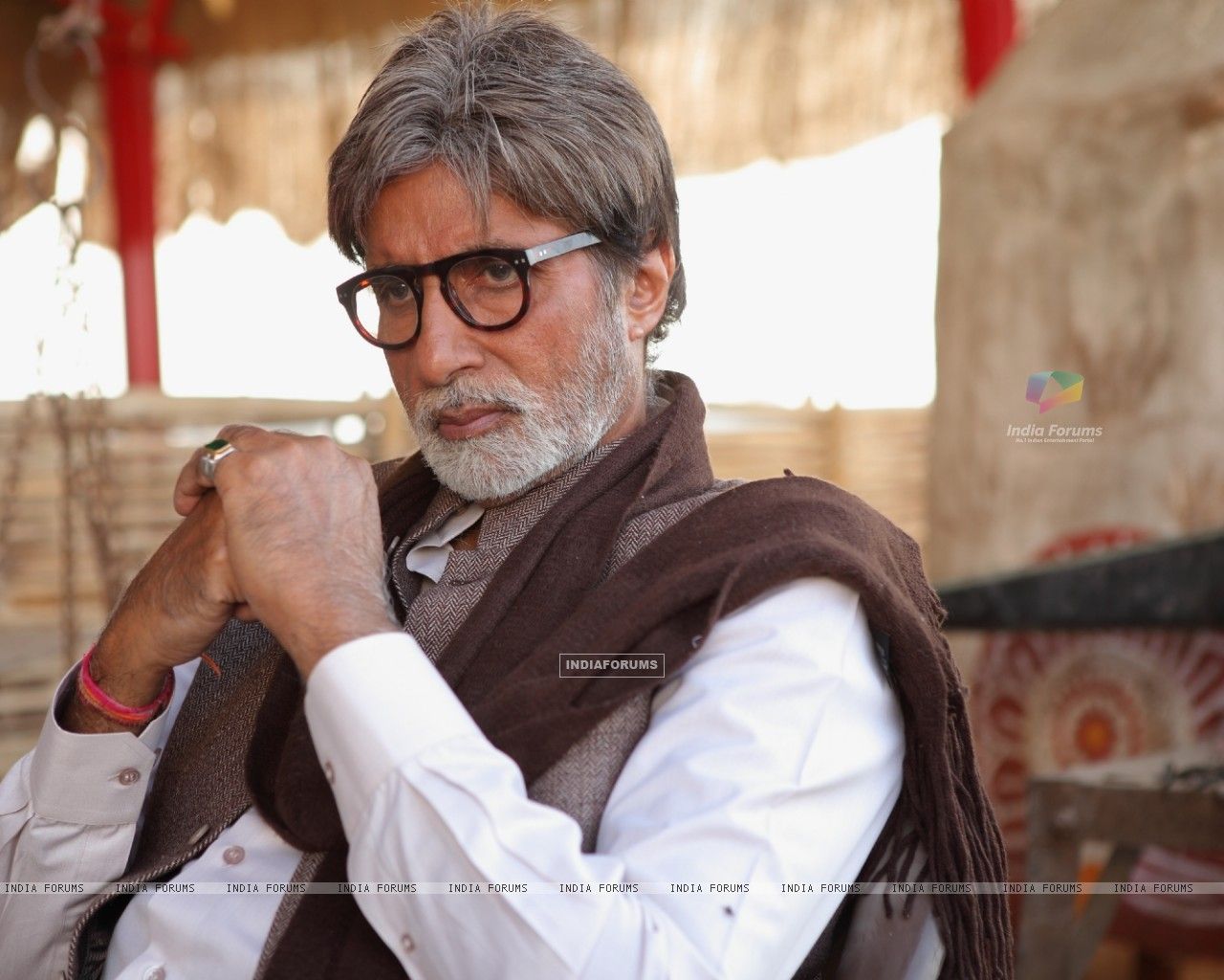 Amitabh in the movie Aarakshan (147074) size:1280x1024