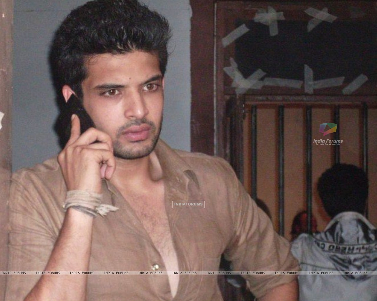Karan Kundra on the sets of Kitani Mohabbat Hai-2 : (148532) size:1280x1024