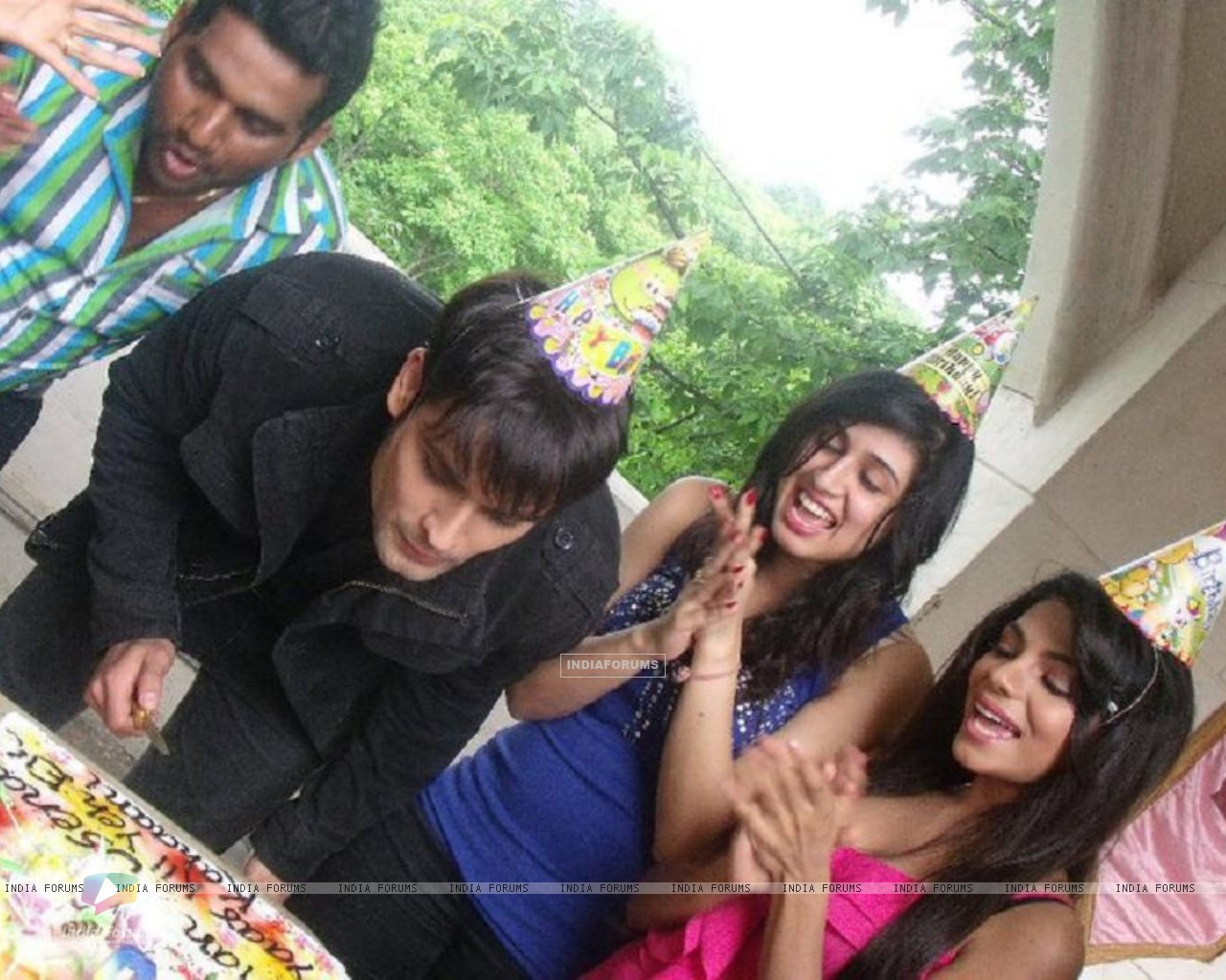 Vivian Dsena's Birthday Celebration (148880) size:1280x1024