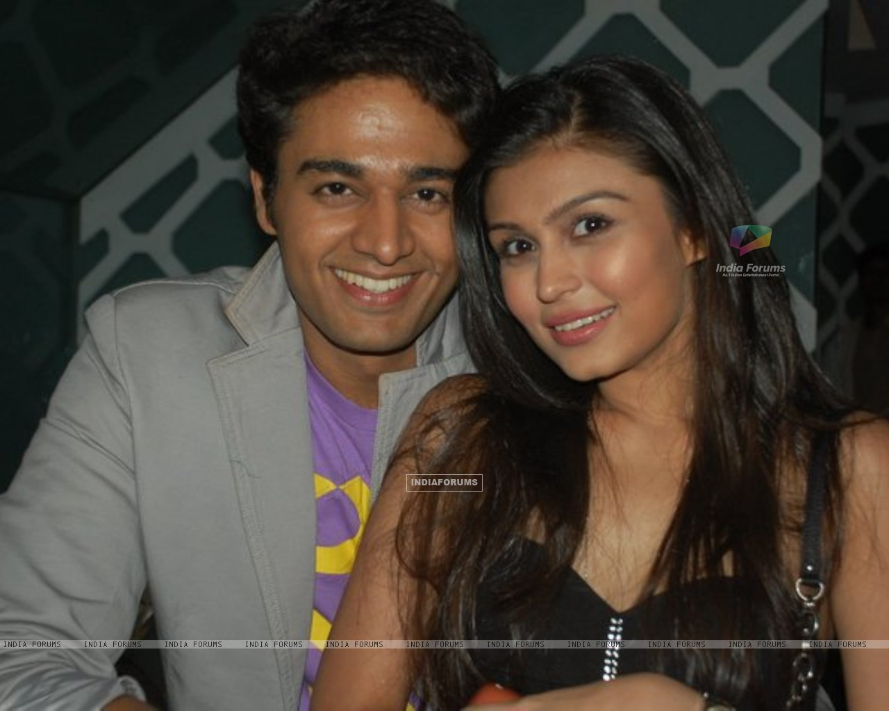 Gaurav Khanna with Simran Kaur on his birthday (151917) size:1280x1024