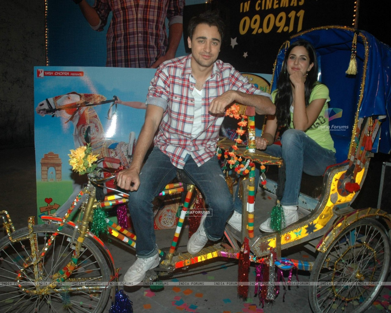 Imran Khan and Katrina Kaif at Mere Brother Ki Dulhan music launch. . (153679) size:1280x1024