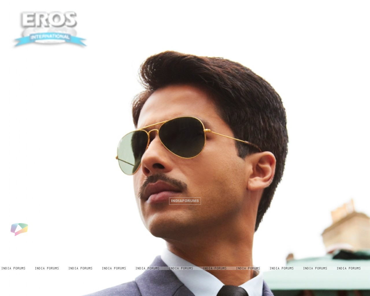 Shahid Kapoor as Harry in the movie Mausam (156298) size:1280x1024