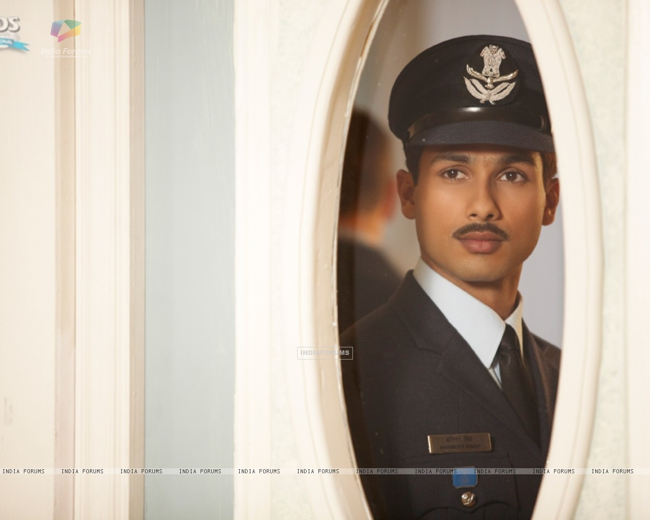 Shahid Kapoor as Harry in the movie Mausam (156302) size:1280x1024
