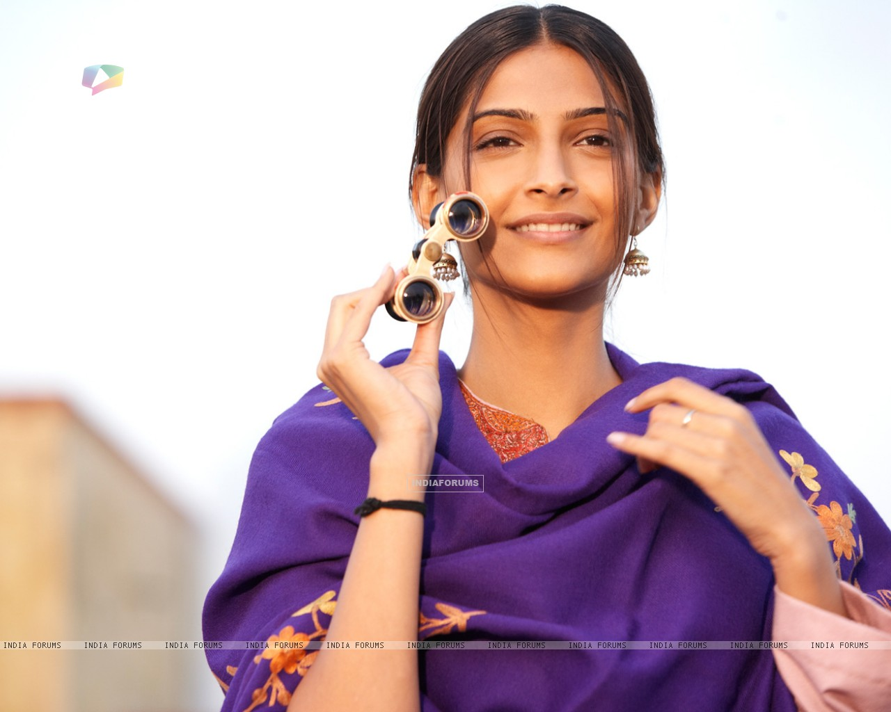Sonam Kapoor as Aayat in movie Mausam (158294) size:1280x1024