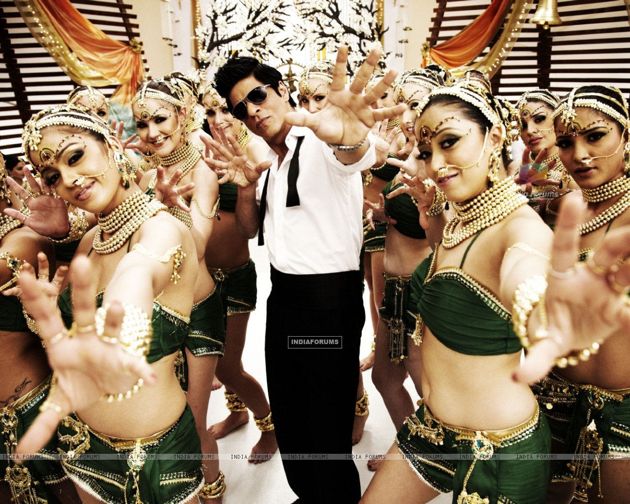 Shah Rukh Khan in the movie Ra.One (158773) size:1280x1024