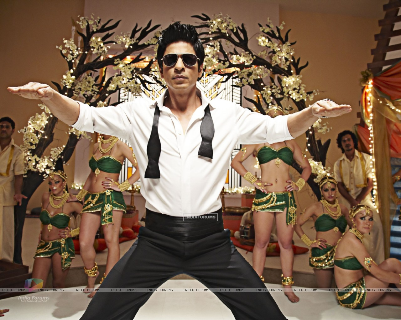 Shah Rukh in Ra.One movie (158775) size:1280x1024