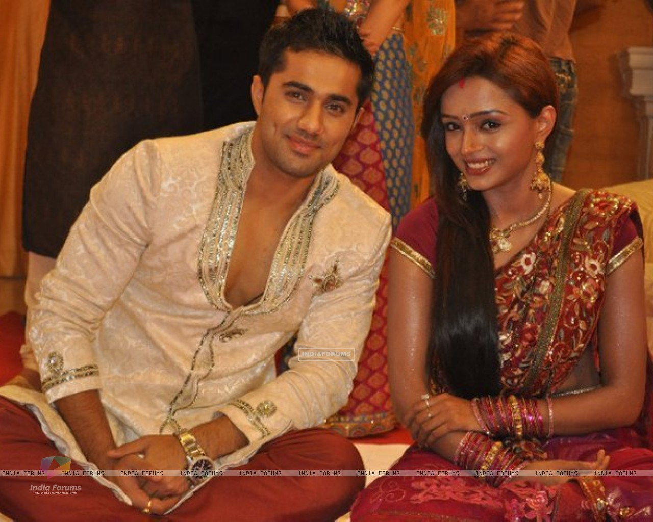 Parul and Vishal in tv show Rishton Se Badi Pratha (163486) size:1280x1024