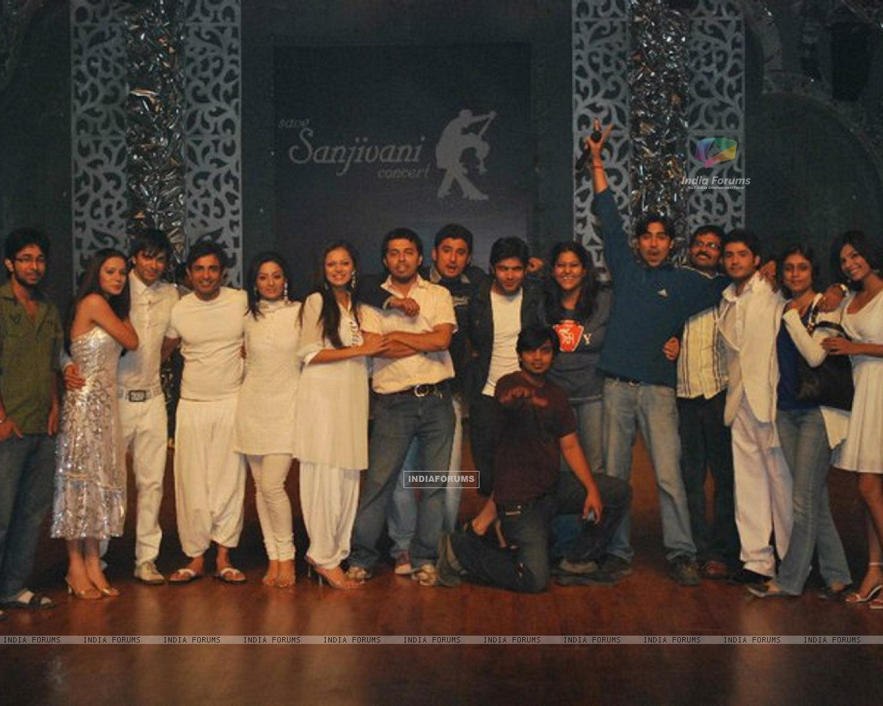 Cast and Crew of Dill Mill Gayye (171192) size:1280x1024