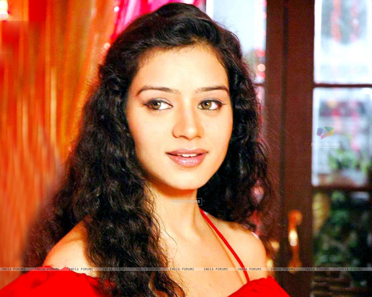 Sukirti Kandpal as Dr. Riddhima (171909) size:1280x1024