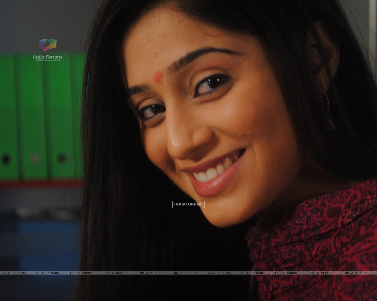 Soumya Seth as Navya (172166) size:1280x1024