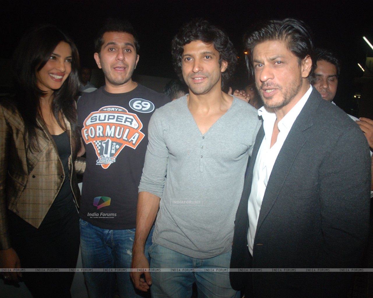 Priyanka Chopra, Ritesh Sidhwani, Farhan Akhtar, Shah Rukh Khan at Don 2 special screening at PVR (175839) size:1280x1024