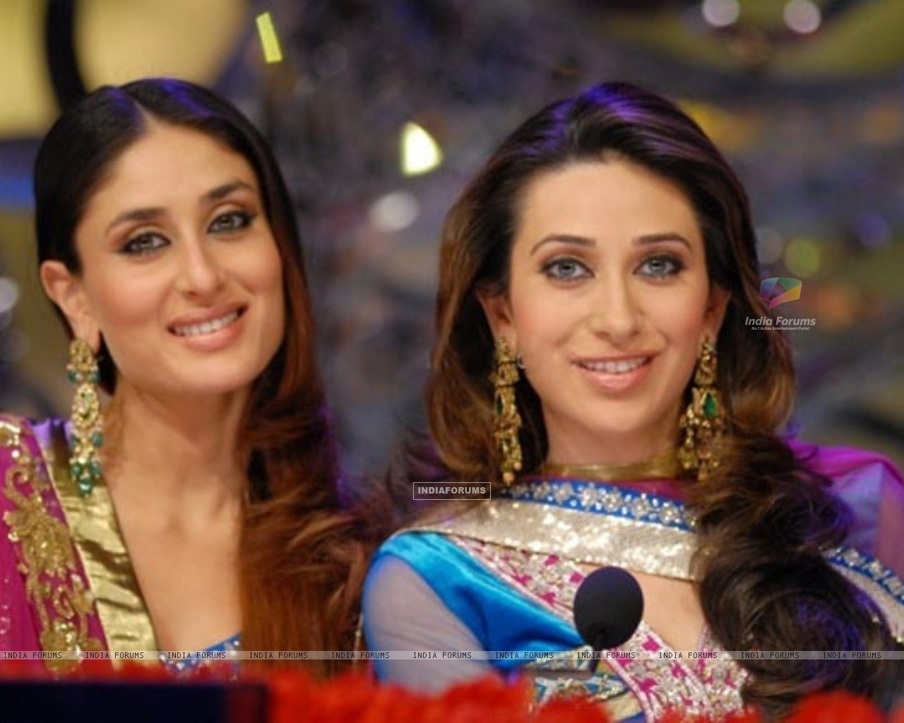 Kareena Kapoor and Karisma Kapur (176869) size:1280x1024