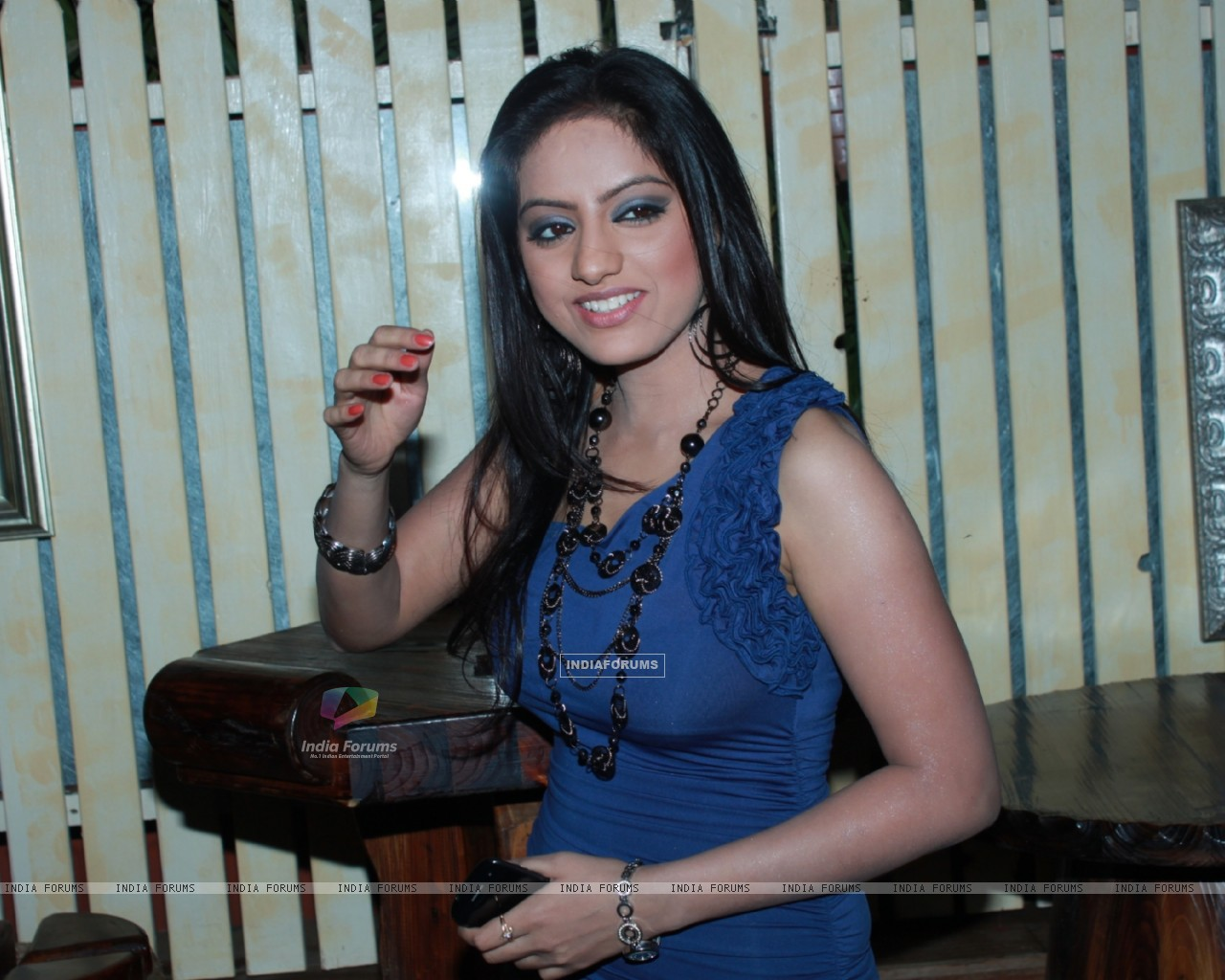 Deepika Singh at 100th episode success party of tvshow 'Diya Aur Baati Hum' at hometown cafe in Juhu (178526) size:1280x1024