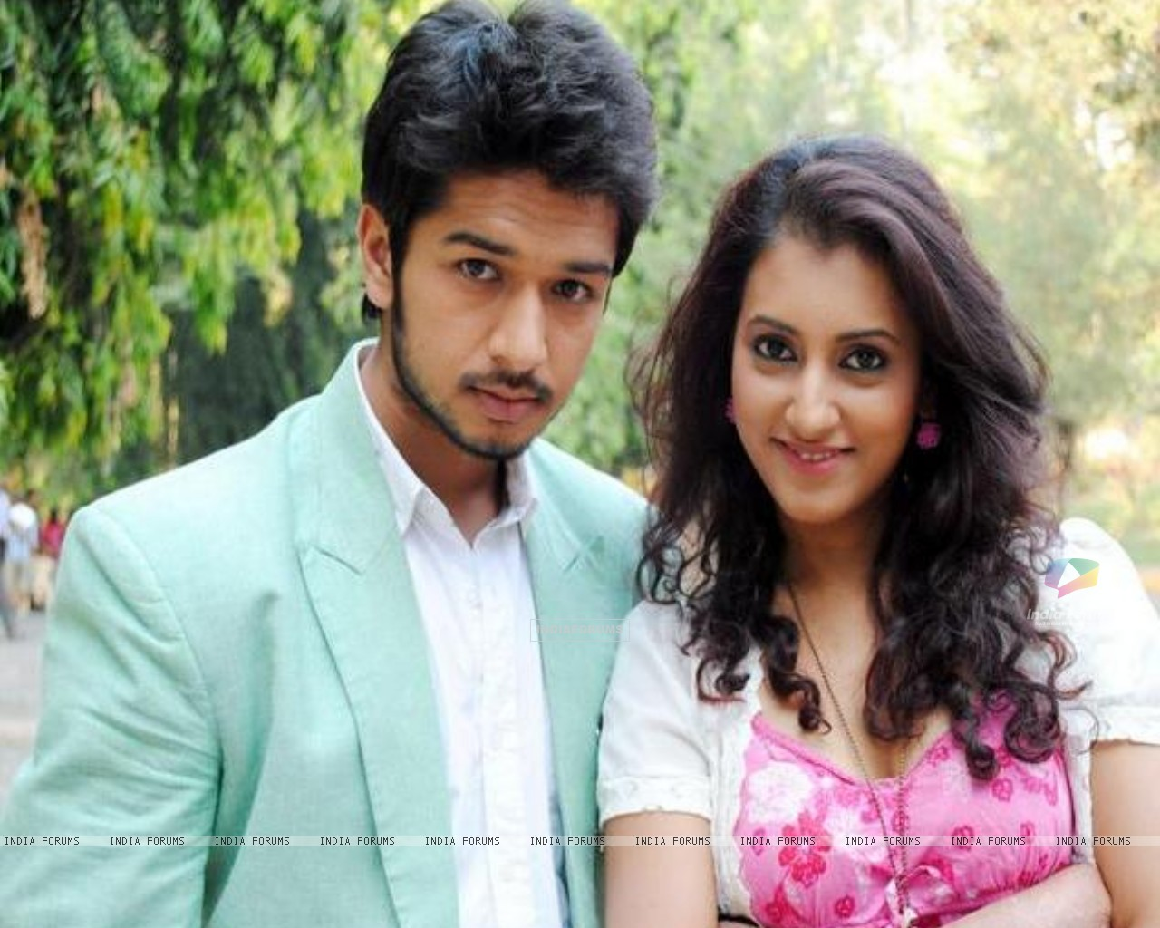 Additi Gupta and Fahad Ali still image from Zindagi Kahe - Smile Please (186828) size:1280x1024