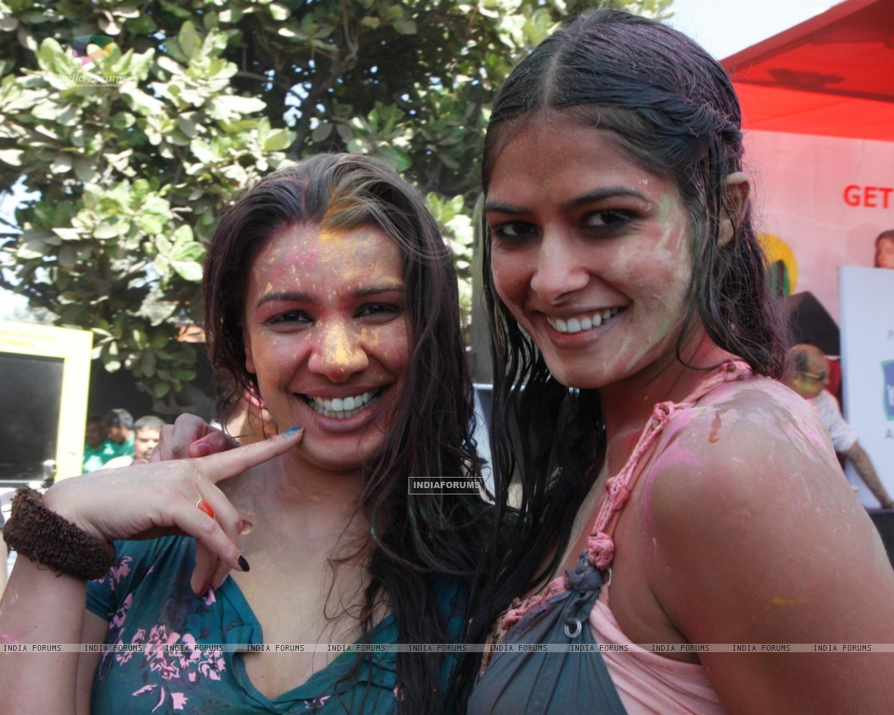 Mink Brar at Zoom Holi bash (187349) size:1280x1024