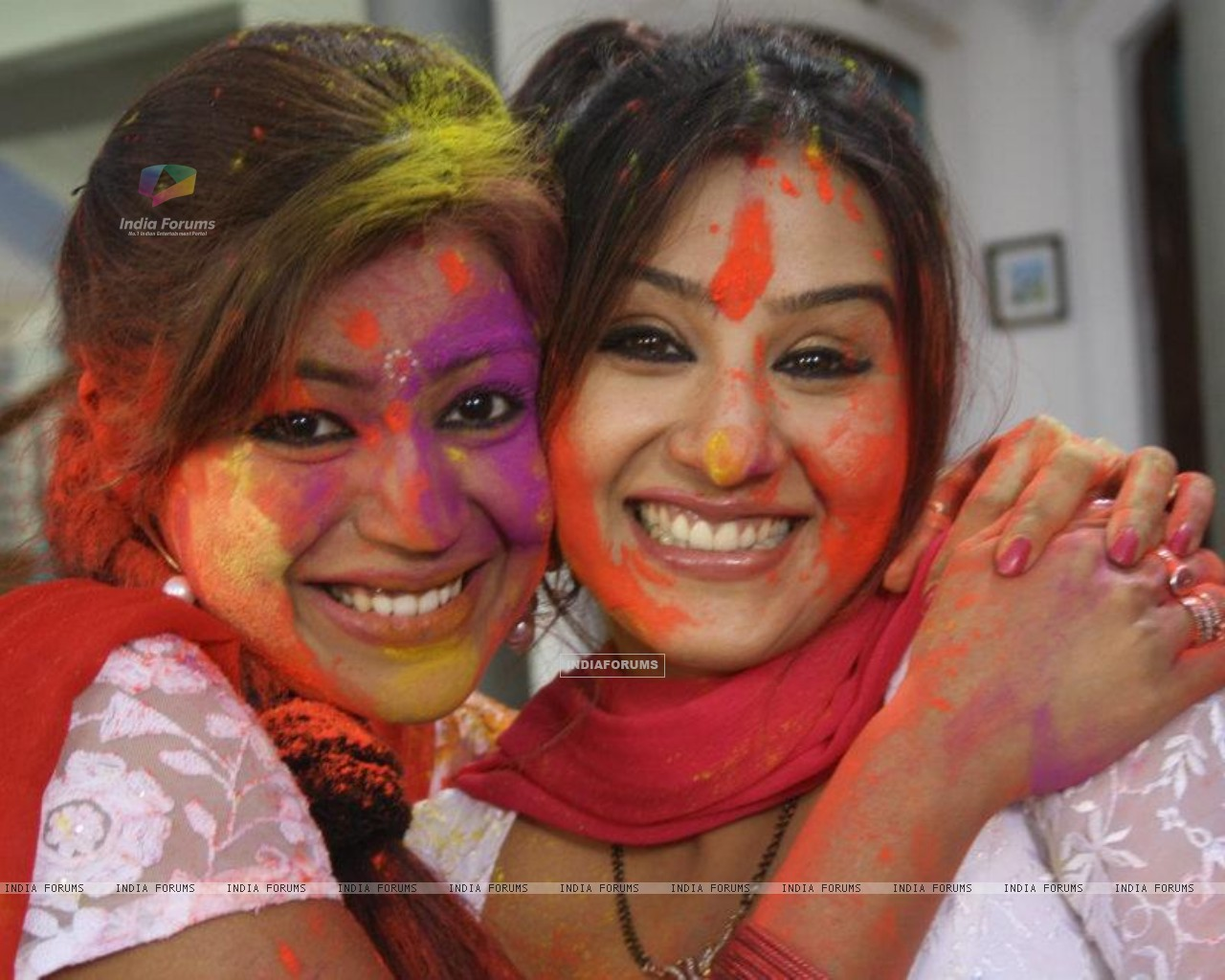 Debina Bonnerjee and Shilpa Shinde on the sets of Chidiya Ghar (189091) size:1280x1024