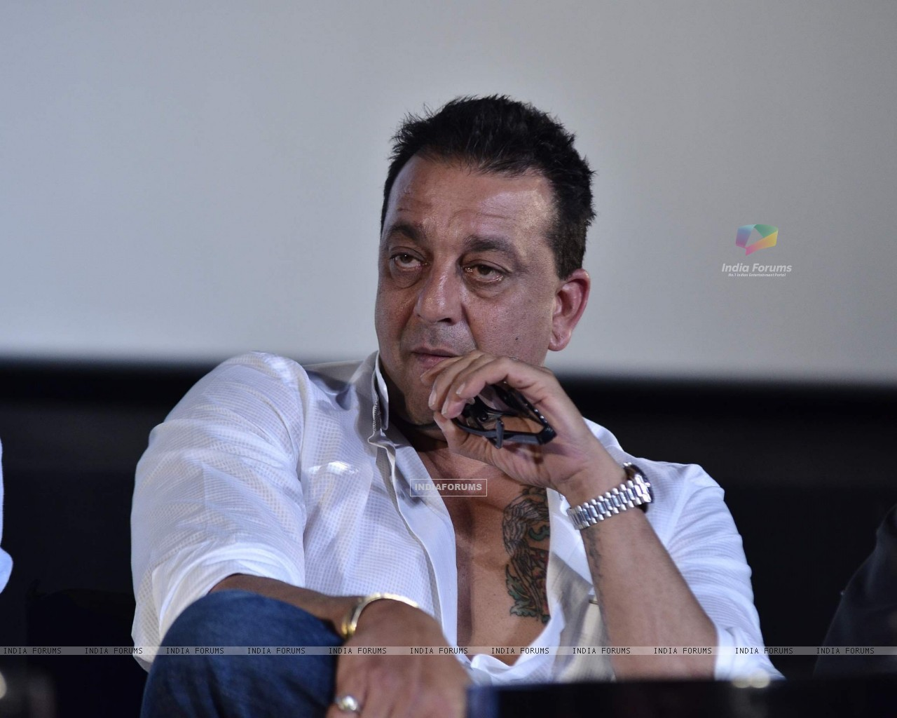Sanjay Dutt at Munna Bhai film Chat Show (191410) size:1280x1024