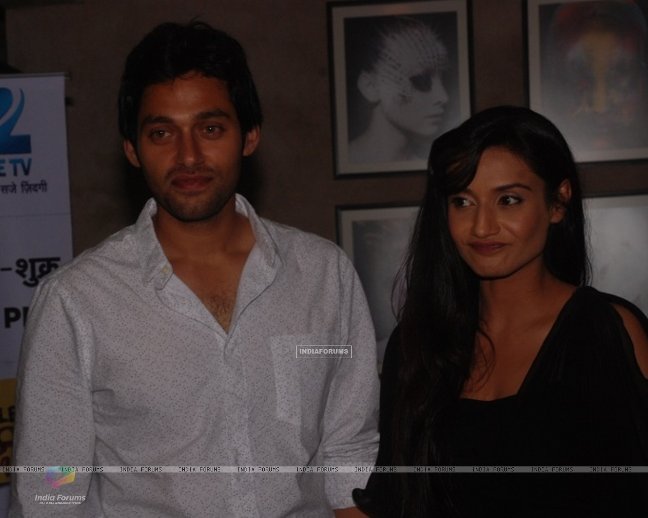Sumit Vats and Rati Pandey at celebration of 100 episodes of Hitler Didi (191565) size:1280x1024