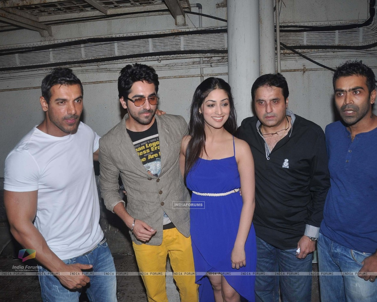 John Abraham, Ayushman & Yami Gautam at Vicky Donor special screening hosted by John Abraham (194598) size:1280x1024