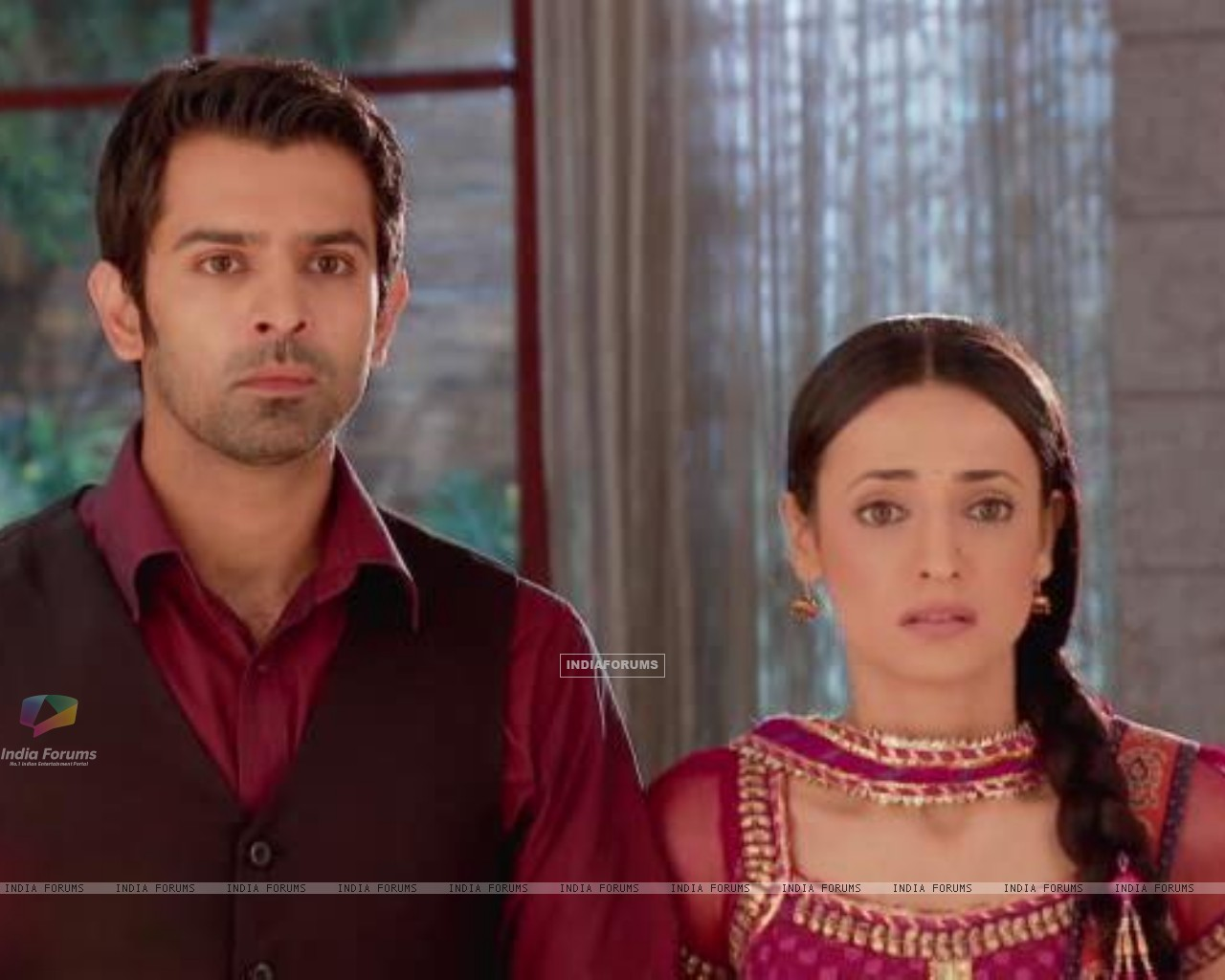 Arnav and Khushi Wallpapers http://www.india-forums.com/wallpaper/1280x1024/195533-khushi-and-arnav.htm